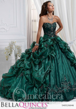 26646 green quinceanera collection bellaquinces photography