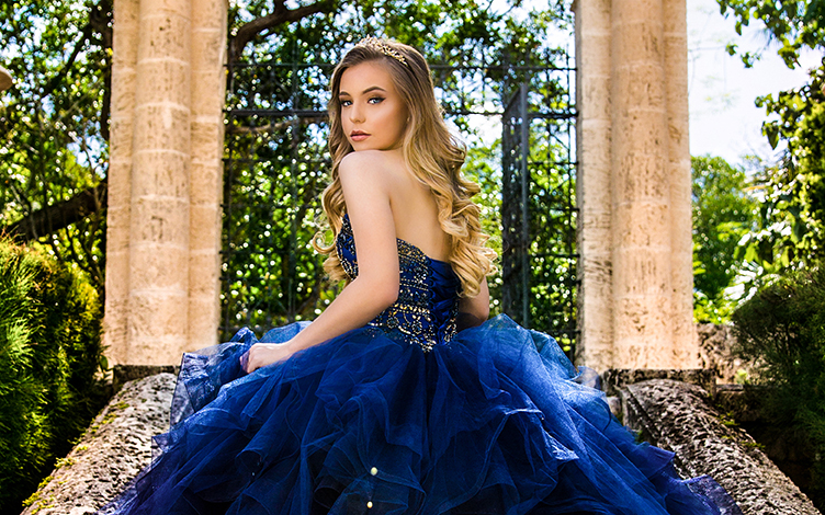 Quinceanera photography on Vizcaya with blue dress