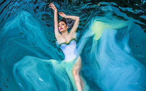 Underwater quinceanera photography in miami